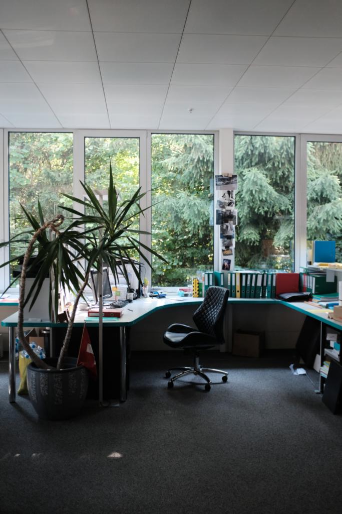 Büro vorne 1